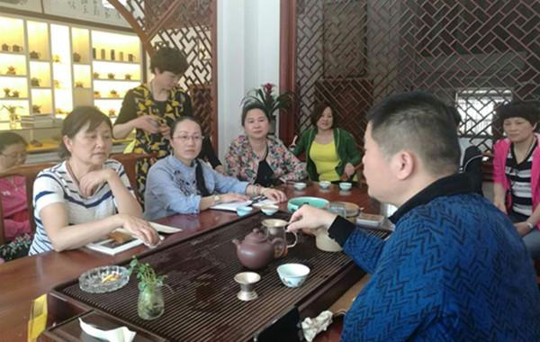 滁州市工委赴宜兴考察紫砂文化产业